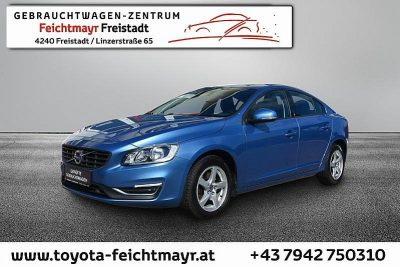 Volvo S60 D2 Kinetic bei Autohaus Feichtmayr in