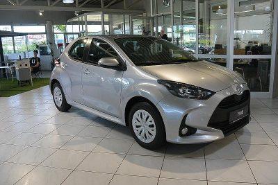 Toyota Yaris 1,0 VVT-i Active bei Autohaus Feichtmayr in
